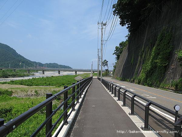 姫川駅から国道148号線を歩く