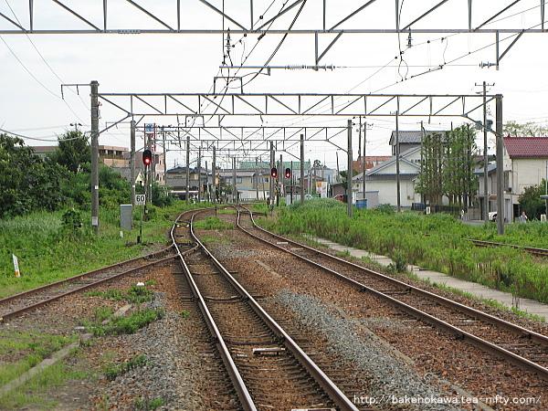 構内新潟方の線路配置