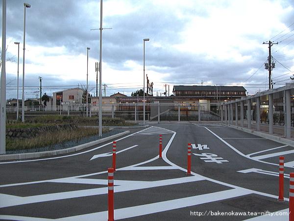 現在の越後石山駅西口その一