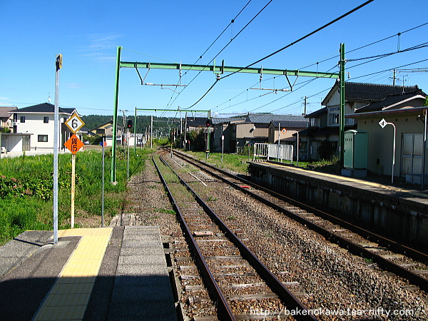 小島谷駅の2番ホームその1