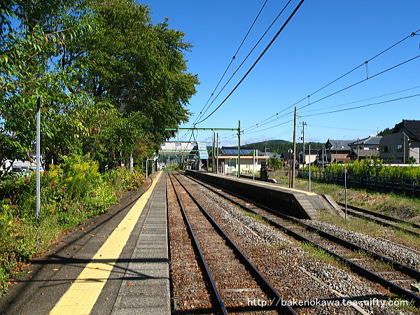 小島谷駅の2番ホームその2