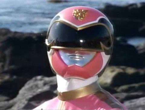 小造りな印象のゴセイジャーのマスク