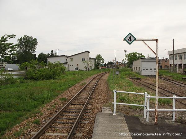越後田沢駅のホームその2