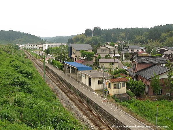 陸橋上から見た小木ノ城駅構内その2