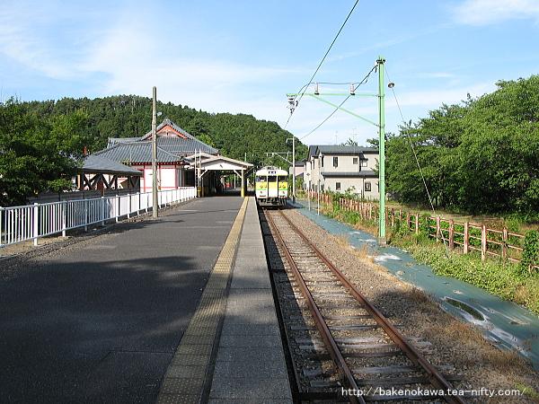 弥彦駅のホームその3