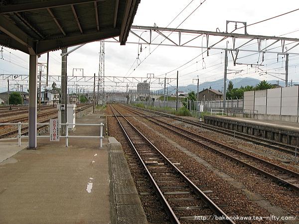 北長野駅の島式ホームその2
