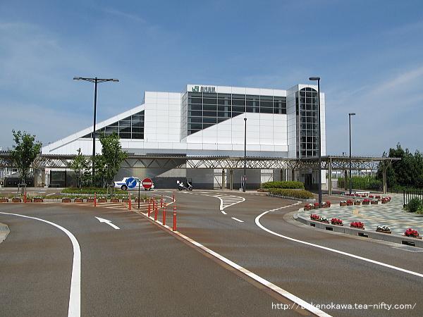 矢代田駅東口