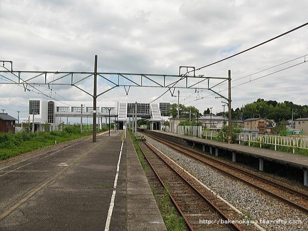 矢代田駅の旧島式ホームその1
