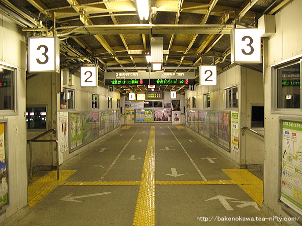 吉田駅の跨線橋