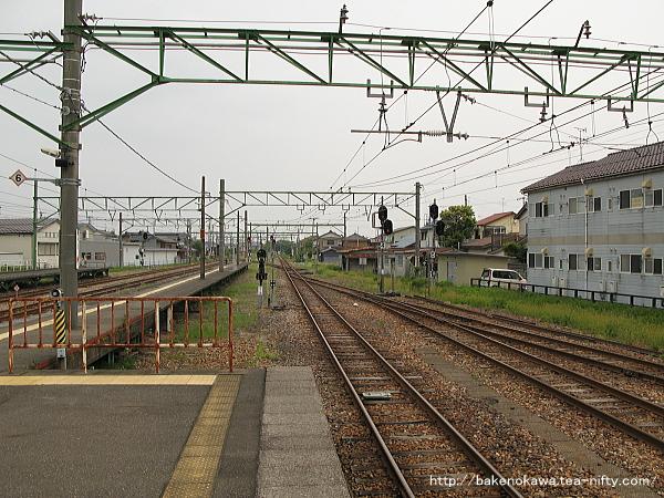 吉田駅の2-3番島式ホームその2
