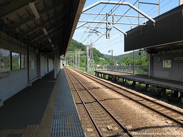 虫川大杉駅の1番ホームその3