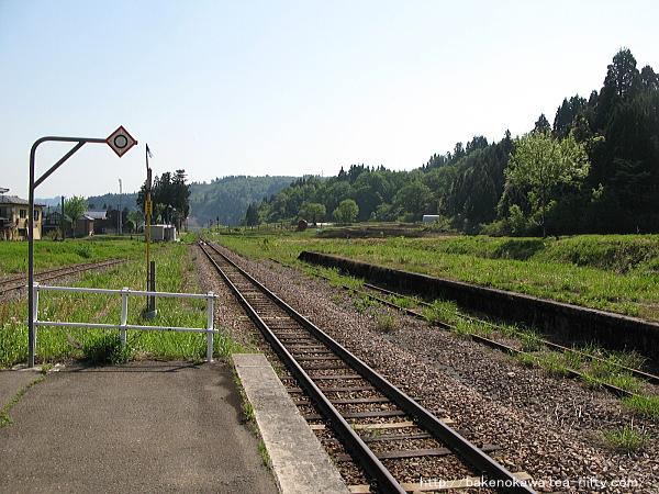 越後岩沢駅のホームその2