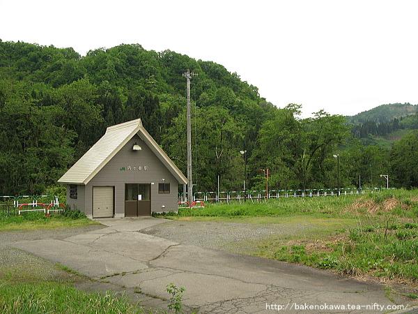 内ヶ巻駅駅舎その1