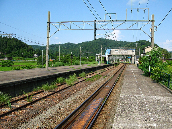 越後広田駅の上りホームその1