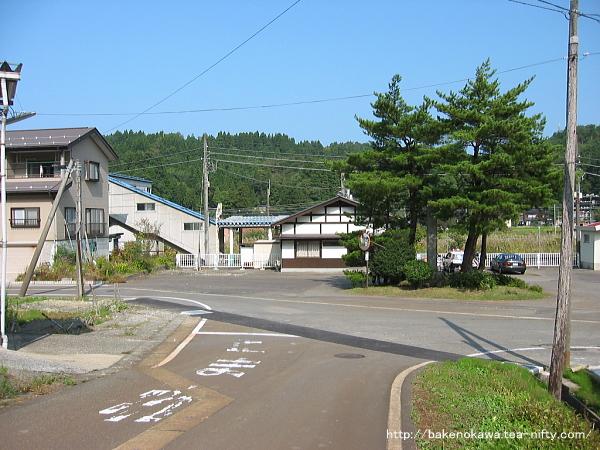 越後広田駅前