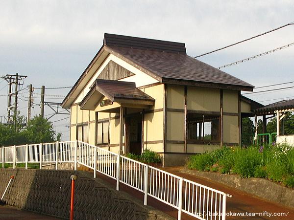 越後岩塚駅駅舎その1