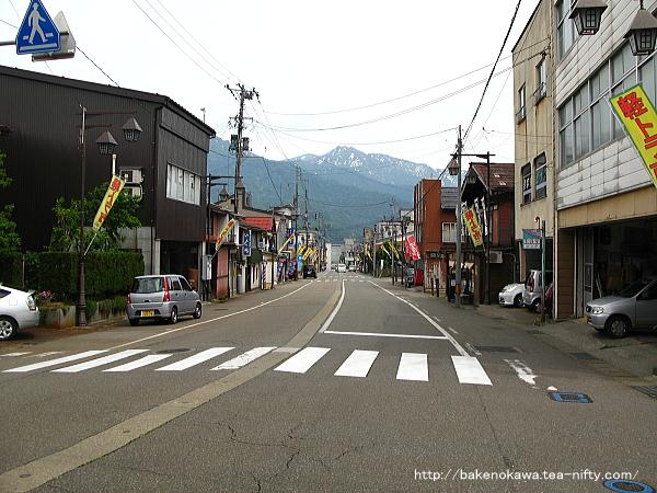 塩沢駅前通り