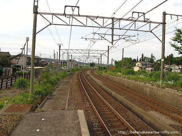 越後岩塚駅の下りホームその2