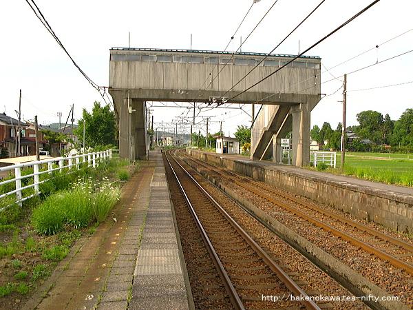 越後岩塚駅の下りホームその3