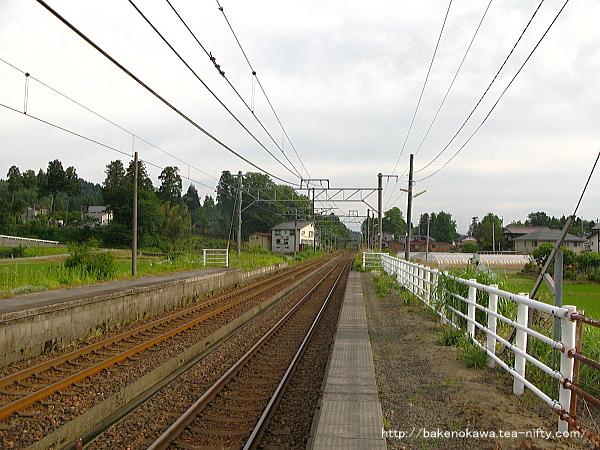 越後岩塚駅の下りホームその4