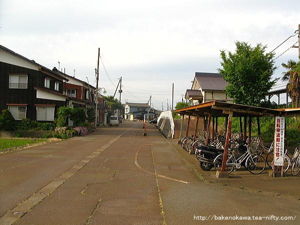 越後岩塚駅前通り