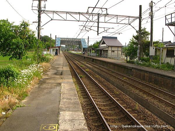 越後岩塚駅の上りホームその2