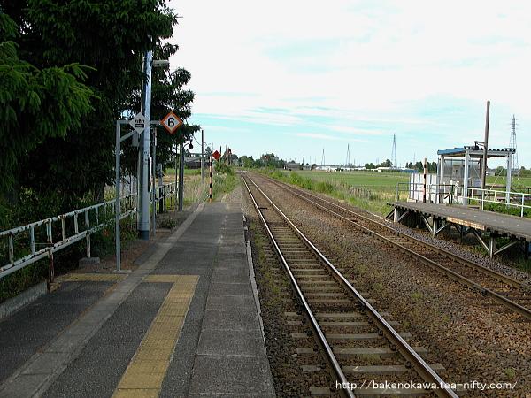 新関駅の1番ホームその2