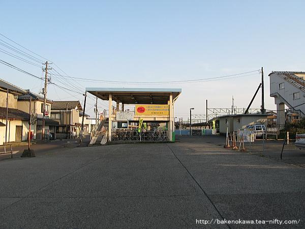 越後曽根駅前広場