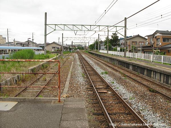 越後曽根駅の1番ホームその3