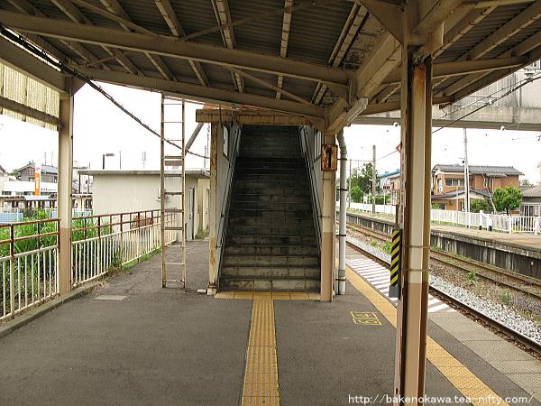 越後曽根駅の1番ホームその4