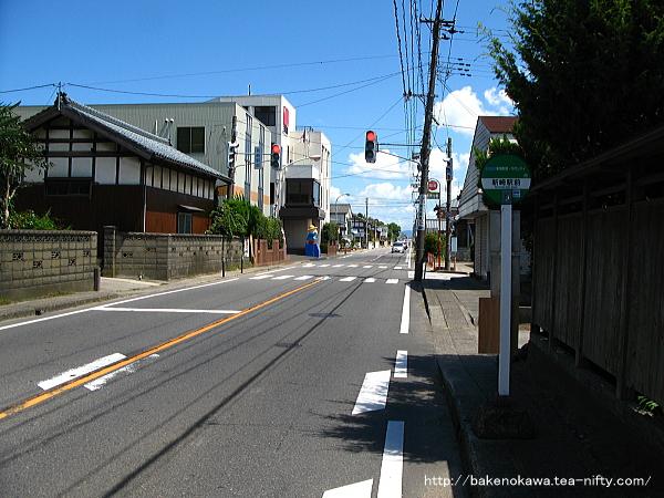 「新崎駅前」バス停