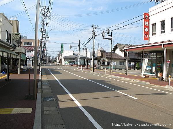宮内駅東口駅前通りその2