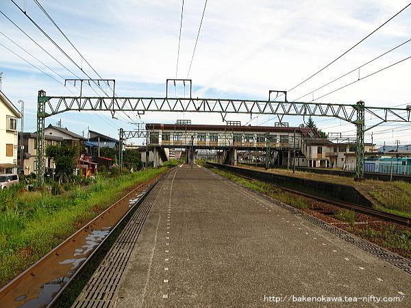 宮内駅の島式ホーム(4-5番線)その3