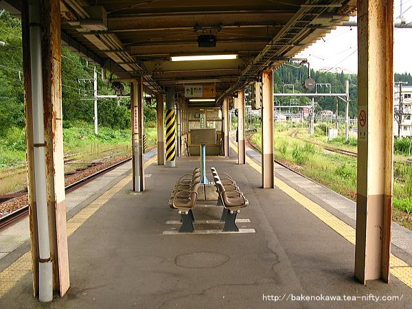 越後川口駅の島式ホームその9