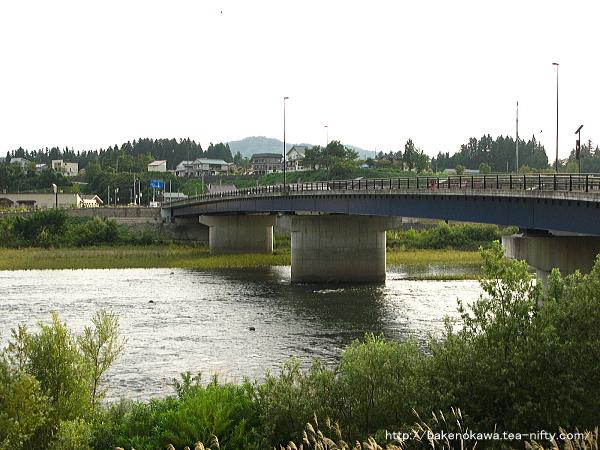 魚野川に架かる川口橋その2