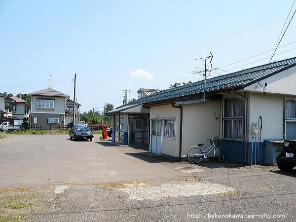 リニューアル前の潟町駅駅舎その2