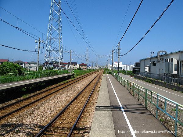 茨目駅の下りホームその2
