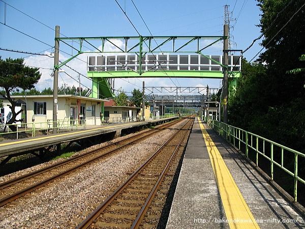 茨目駅の上りホームその3