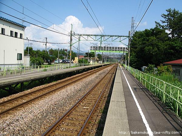 茨目駅の上りホームその4