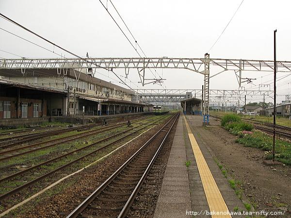柏崎駅の島式ホームその5