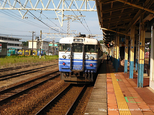 柏崎駅に停車中の115系電車その2