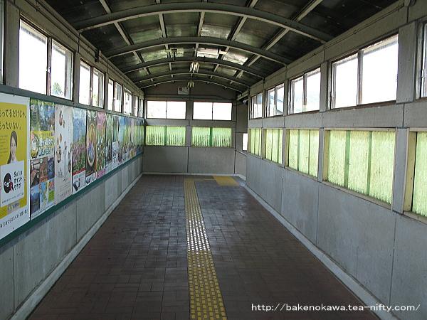 越後堀之内駅の跨線橋