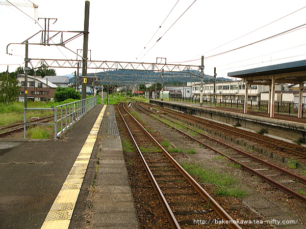 新井駅の島式ホームその2