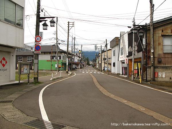 新井駅の駅前通りその1