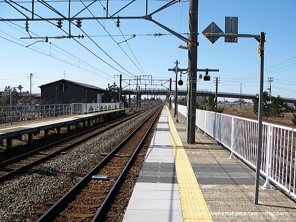 黒山駅の2番ホームその一