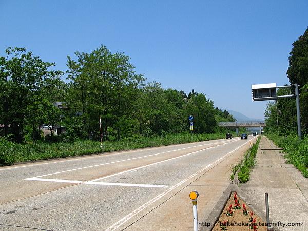 二本木駅周辺の国道18号線その1