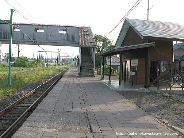 西山駅の1番ホームその3