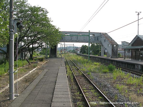 西山駅の2番ホームその1