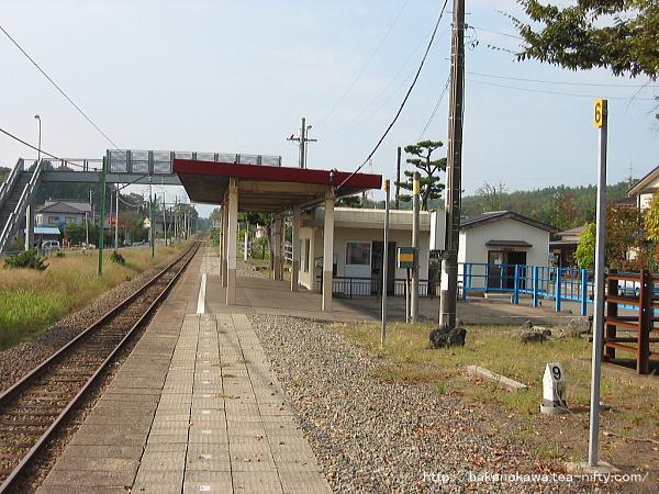 刈羽駅のホームその2