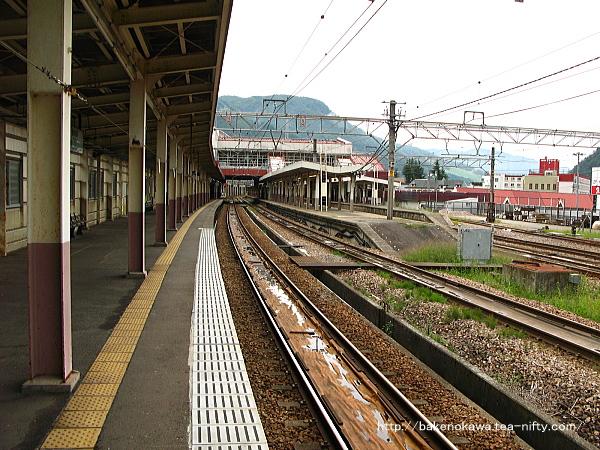越後湯沢駅の1番ホームその1